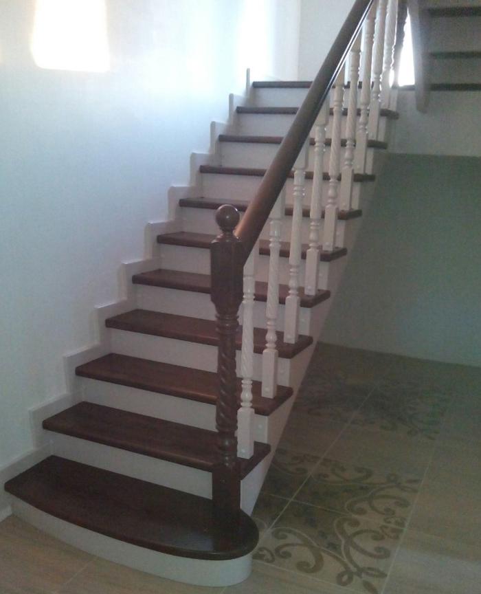 Маршевая лестница с площадкой
