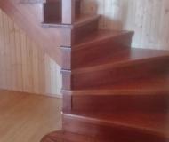 Маршевая лестница с поворотными ступенями