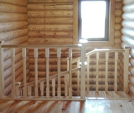 Прямая лестница с площадкой