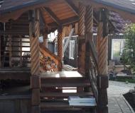 Деревянная лестница крыльцо