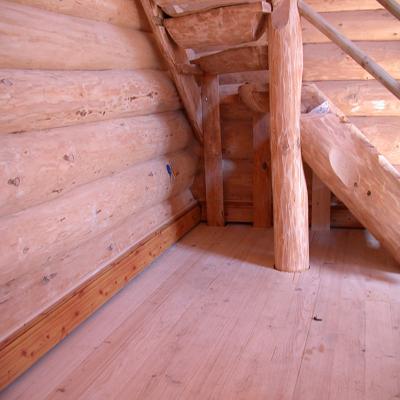 Деревянный пол из обрезной доски